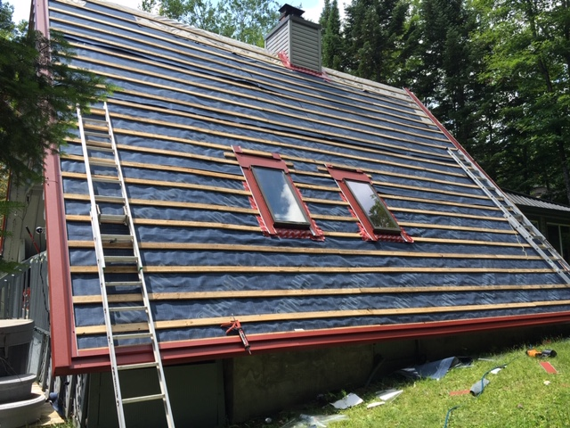 Metal roof installation Montreal