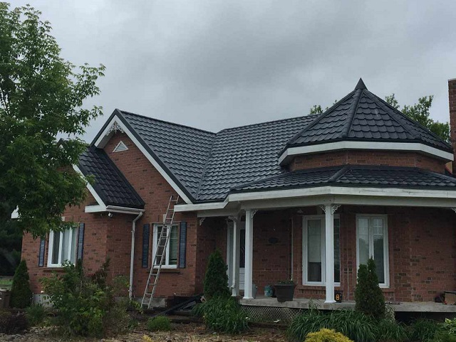 Roof Replacement Vaudreuil-Dorion - Metal roofing
